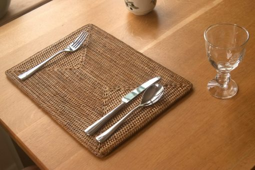 Oblong rattan tablemat
