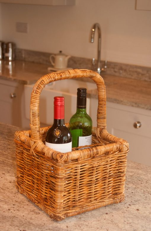 wicker wine bottle holder