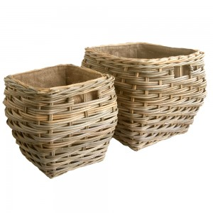 Square shaped log basket